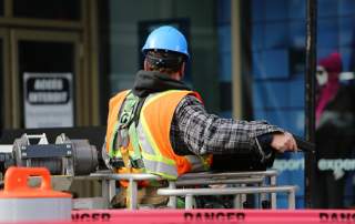 2014-11-Life-of-Pix-free-stock-photos-montreal-city-construction-man-leeroy