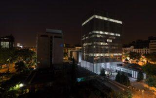 edificio_torre_serrano_47_madrid_vista_nocturna